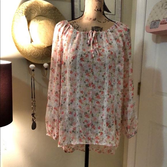 LC Lauren Conrad Tops - LC Laura Conrad floral blouse sz M